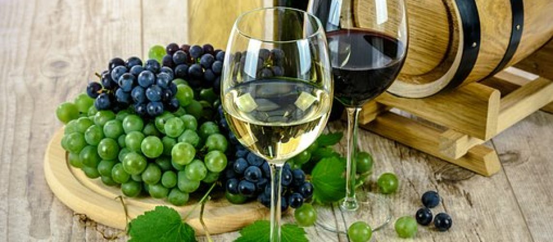 two-types-of-wine-1761613__340[1]
